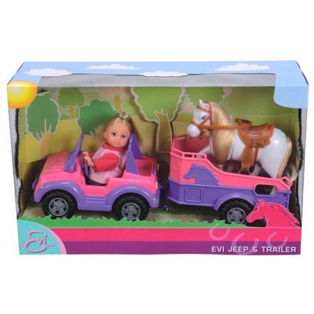 Evi w jeepie z koniem na przyczepce