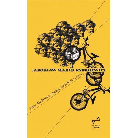 Adam Mickiewicz odjeżdża na żółtym rowerze
